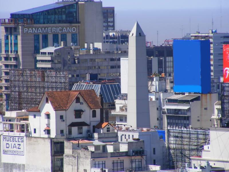 La casa misteriosa frente al obelisco el sue o de un for Muebles 9 de julio lanus